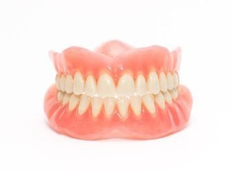 Quality Dentures vs. Cheap Dentures: Differences Explained