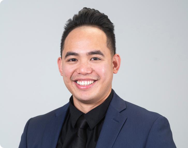 Christian Cueto the Denturist at Smile Denture & Implant Clinic