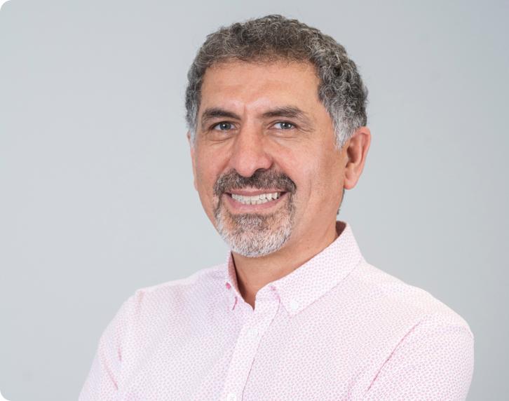 Cengiz Karaceper the Dental Technician at Smile Denture & Implant Clinic
